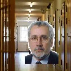 MEDICINA PENITENZIARIA: Carenza medici, intervista a Franco Alberti (Fimmg) organici fermi al 1995 il passaggio di competenze tra il Ministero e le Asl ha complicato le cose (video)